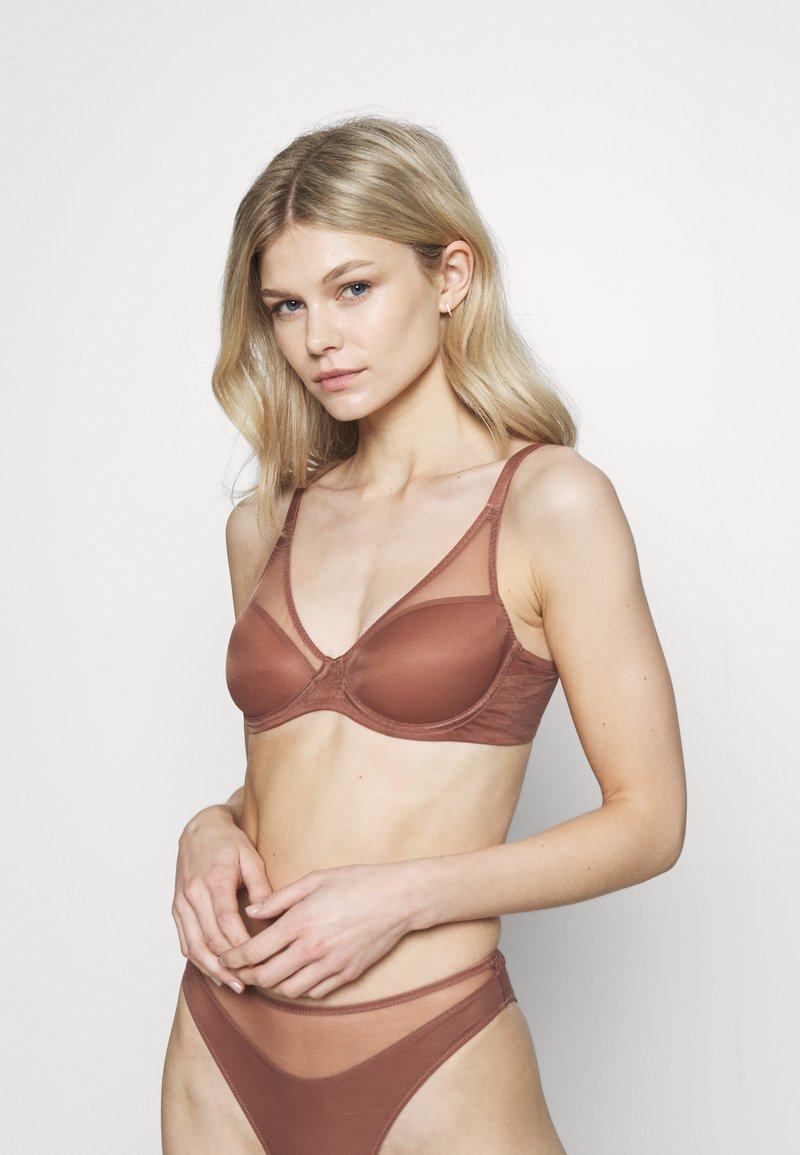 Agent Provocateur - LUCKY PADDED BRA - Underwired bra - chocolate