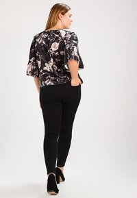 Zizzi - AMY LONG - Vaqueros pitillo - black - 2