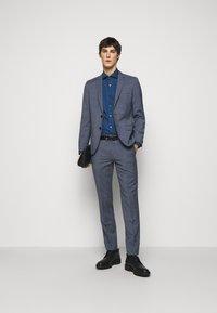 HUGO - KASON - Kostymskjorta - dark blue - 1