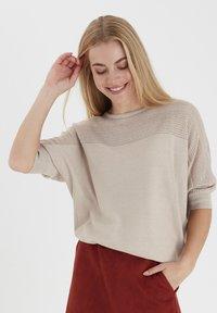 Fransa - ZUCOT  - T-shirts print - tile sand - 0