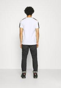 Glorious Gangsta - EMILIO TEE - T-shirt med print - optic white - 2