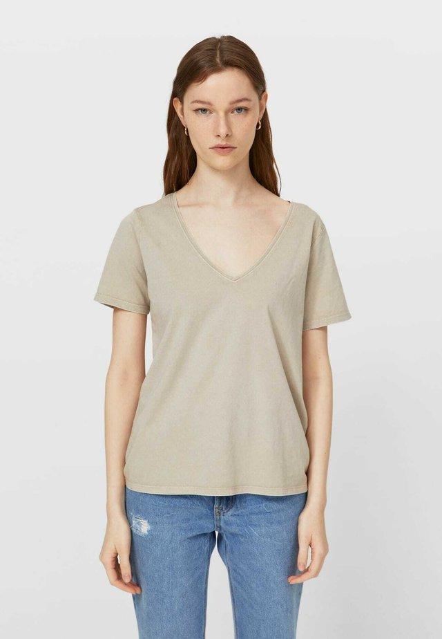 Jednoduché triko - brown