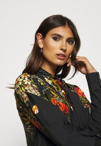 Desigual - BLUS LAUREN DESIGNED BY MR CHRISTIAN LACROIX - Blusa - black - 3