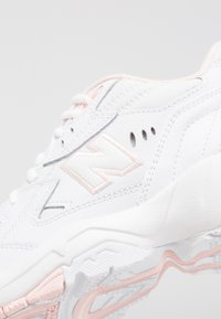 New Balance - Sneakers - white/pink - 6