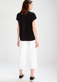 Weekday - PRIME - Basic T-shirt - black - 2