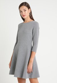 TOM TAILOR DENIM - SKATER DRESS ROUND - Sukienka z dżerseju - middle grey melange - 0