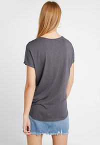Even&Odd - T-shirt med print - anthracite - 2