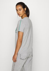 Superdry - PIPING ENTRY TEE - T-shirts med print - grey - 2