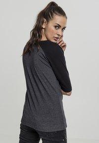 Urban Classics - T-shirt con stampa - charcoal/black - 1