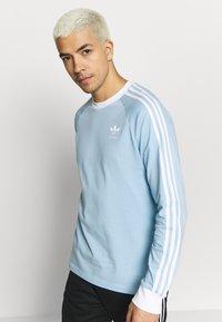 adidas Originals - 3 STRIPES UNISEX - Maglietta a manica lunga - clesky - 0