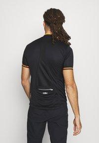CMP - MAN BIKE - Print T-shirt - nero/orange - 2