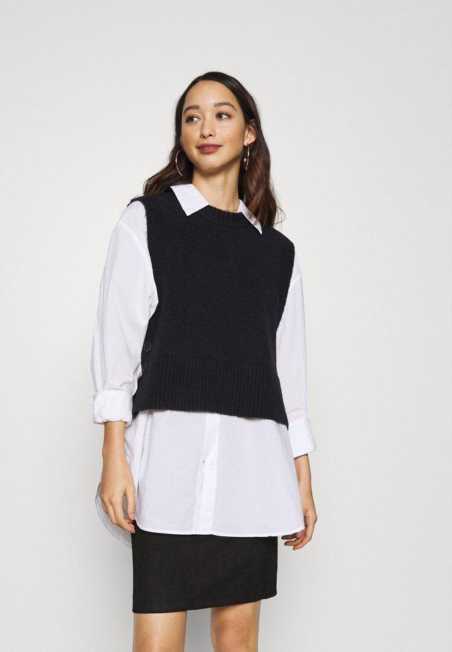 YASEMILI - Stickad tröja - navy blazer