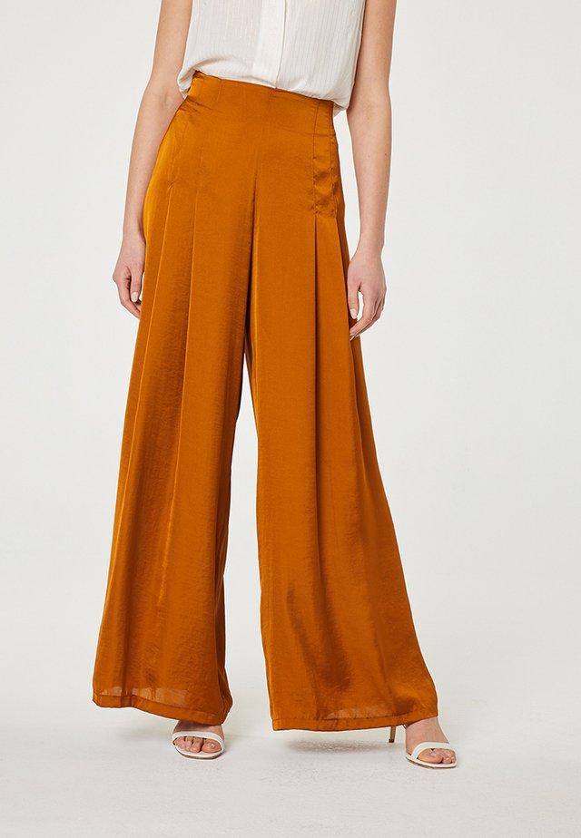 Pantalon classique - marrón claro
