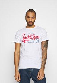 Jack & Jones - JJMOON TEE CREW NECK - Print T-shirt - white - 0