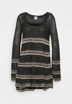 DRESS - Abito in maglia - black