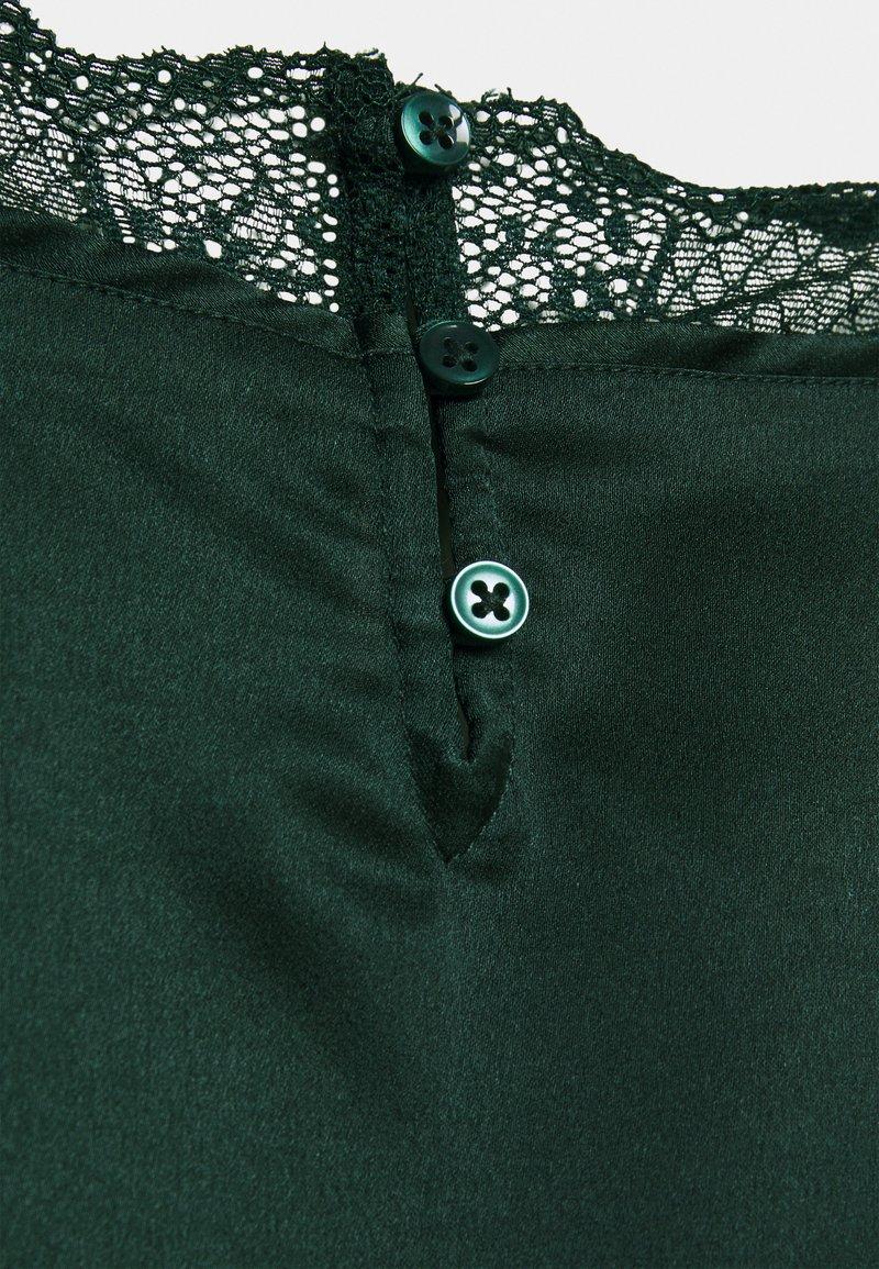 Abercrombie & Fitch STRAP XMAS - Top - dark green/grün mACGRg