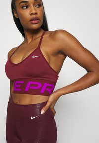 Nike Performance - INDY PRO MIRAGE BRA - Sport BH - dark beetroot/vivid purple/metallic silver - 3