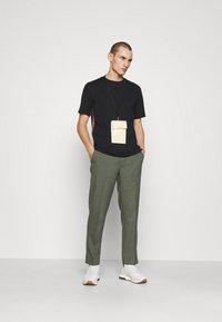 Paul Smith - T-shirt basic - black - 1