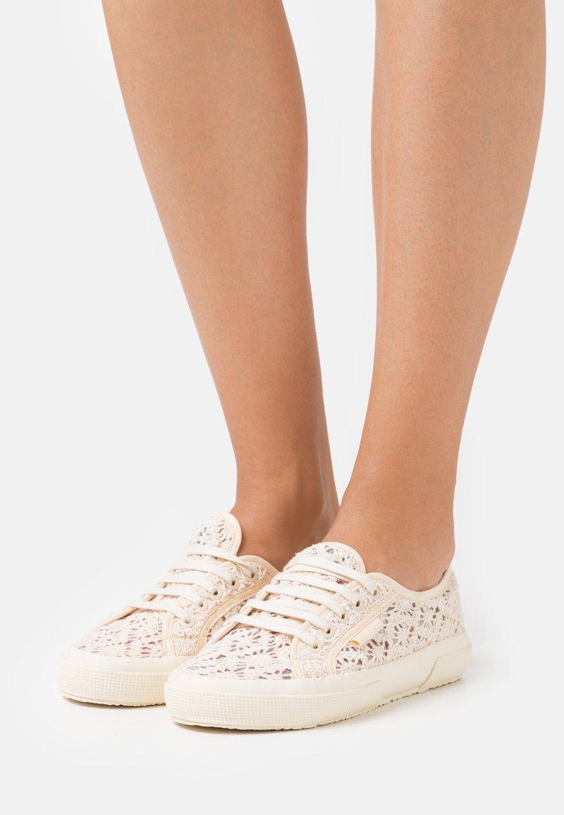 Superga - 2750 LACE - Sneakersy niskie - beige gesso