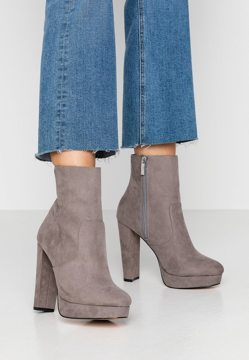 River Island Wide Fit - High heeled ankle boots - grey