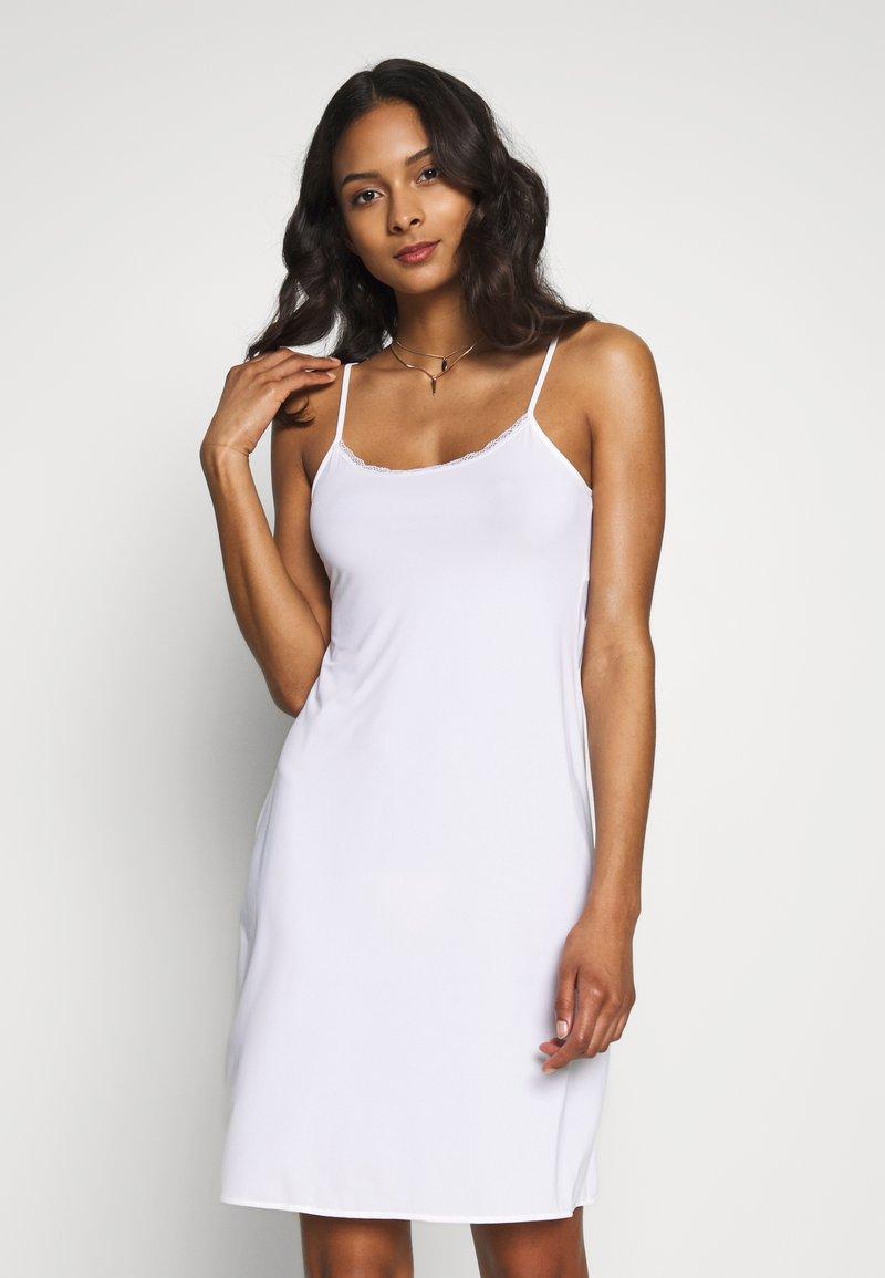 Marks & Spencer London - COOL SLIP - Noční košile - white