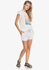 Roxy - SUMMERTIME HAPPINESS  - Print T-shirt - snow white - 1