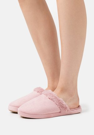 Slippers - pale pink