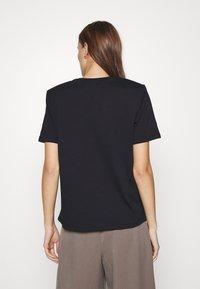 Gestuz - JORY TEE - Basic T-shirt - black - 2