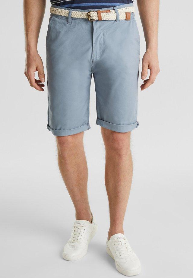 MIT GÜRTEL - Shorts - grey blue