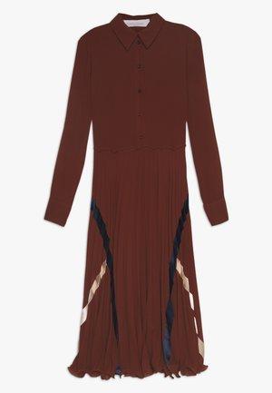Košilové šaty - sepia brown