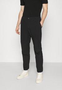 rag & bone - FLYNT PANT IN TECH - Pantalon classique - black - 0