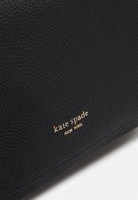 kate spade new york - ROULETTE LARGE BAG - Kabelka - black - 4