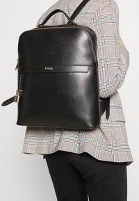 Furla - PIPER BACKPACK - Reppu - nero