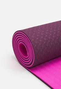 Etam - YOGA MAT - Fitness/yoga - cassis - 3