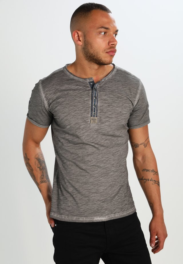 ARENA - T-shirt con stampa - silber
