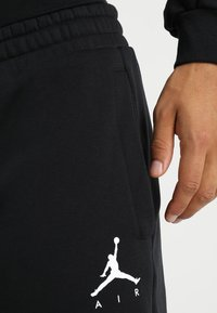 Jordan - JUMPMAN  - Pantalones deportivos - black - 4