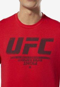 Reebok - UFC FAN GEAR LOGO TEE - Print T-shirt - red - 2