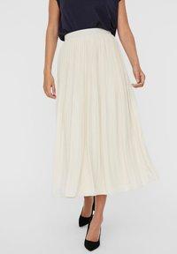 Vero Moda - Pleated skirt - birch - 0