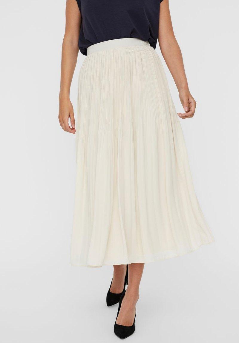 Vero Moda - Pleated skirt - birch