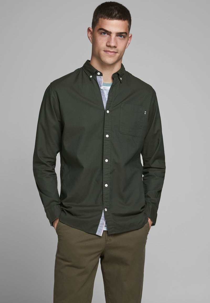Jack & Jones PREMIUM - JJECLASSIC  - Camisa - olive night
