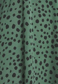 Missguided Tall - V NECK SMOCK DRESS DALMATIAN - Day dress - green - 2