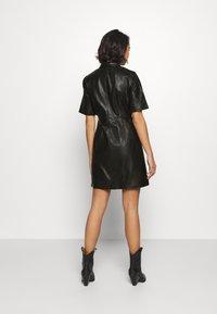 Object Petite - OBJPRIA L DRESS  - Denní šaty - black - 2