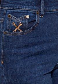 Queen Kerosin - Slim fit jeans - denim - 3
