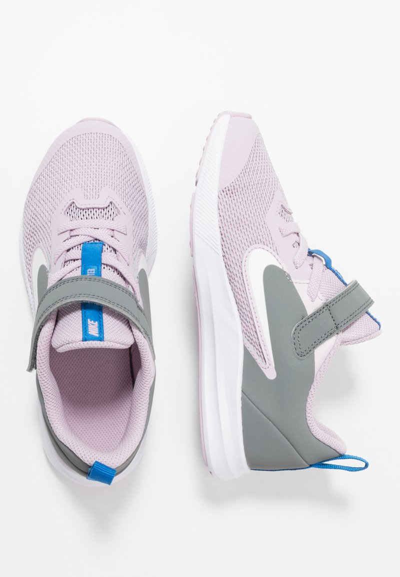 Nike Performance - DOWNSHIFTER 9  - Laufschuh Neutral - iced lilac/white/smoke grey/soar