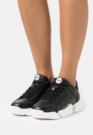 VEGAN MATRIX ONE - Sneakers - black
