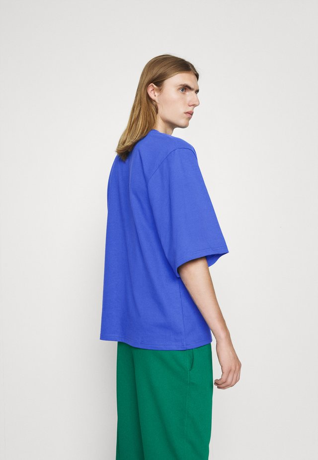 T-shirt con stampa - classic blue