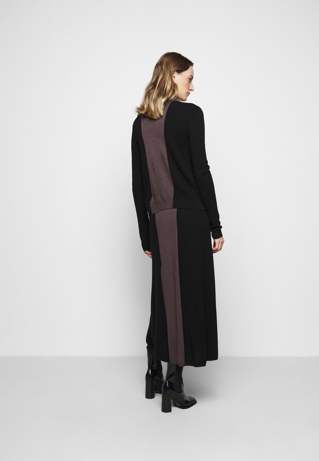 ORAN - Pullover - black