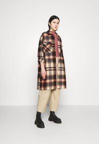 ONLY - ONLELLENE VALDA LONG CHACKET - Classic coat - blue/red - 1