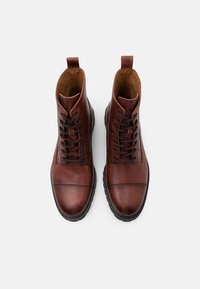 Belstaff - ALPERTON - Lace-up ankle boots - whiskey - 3