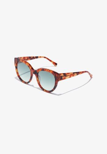 LOIRA - Sunglasses - brown